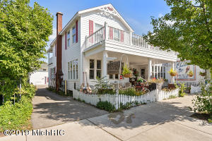 132 Mason Street, Saugatuck, Michigan 49453, 2 Bedrooms Bedrooms, ,2 BathroomsBathrooms,Residential,For Sale,Mason,19046254