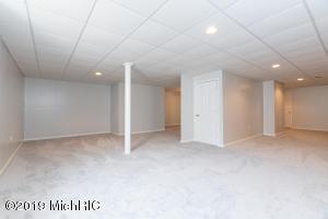 5855 Park Road, Eau Claire, Michigan 49111, 4 Bedrooms Bedrooms, ,3 BathroomsBathrooms,Residential,For Sale,Park,19046365