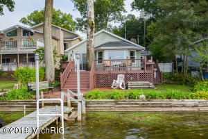 68410 Dailey Edwardsburg, MI 49112