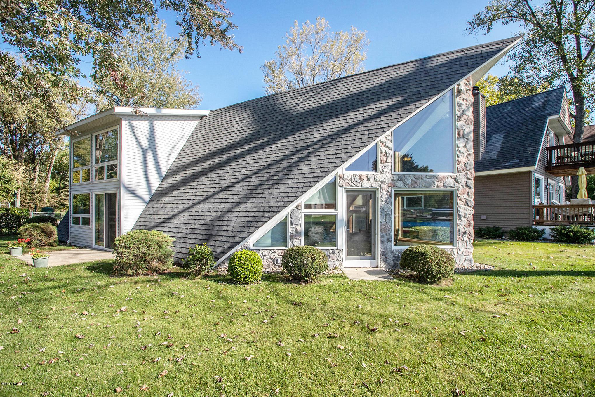 5075 Shoreview Drive