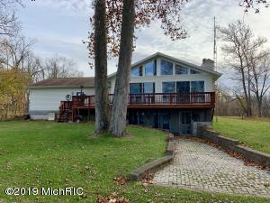 476 Forest Beach Dr Coldwater, MI 49036