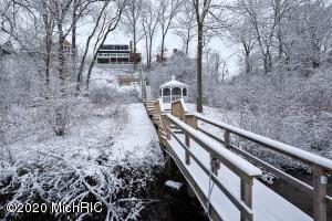 11141 Lake Shore Berrien Springs, MI 49103