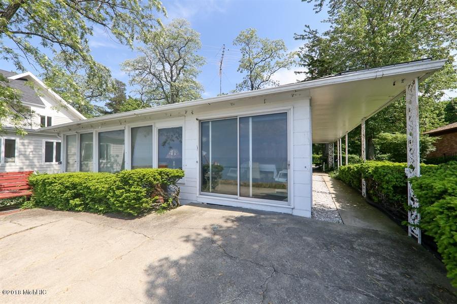 47021 Lake View Avenue