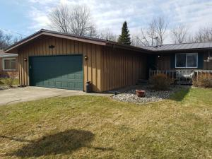 68422 N Channel Edwardsburg, MI 49112