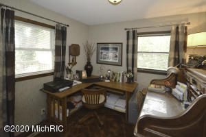 32468 Chamberlin Drive, Lawton, Michigan 49065, 4 Bedrooms Bedrooms, ,2 BathroomsBathrooms,Residential,For Sale,Chamberlin,20011648