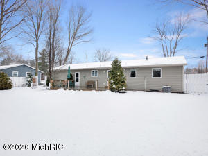 388 168th Avenue, Holland, Michigan 49424, 3 Bedrooms Bedrooms, ,1 BathroomBathrooms,Residential,For Sale,168th,20011336