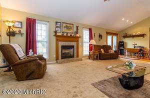 4125 Chicago Road, Niles, Michigan 49120, 4 Bedrooms Bedrooms, ,2 BathroomsBathrooms,Residential,For Sale,Chicago,20011340
