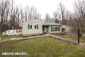 22370 Maple Cassopolis, MI 49031