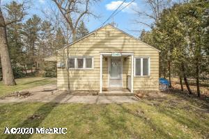 3767 Ponchartrain Drive, New Buffalo, Michigan 49117, 2 Bedrooms Bedrooms, ,1 BathroomBathrooms,Residential,For Sale,Ponchartrain,20011575