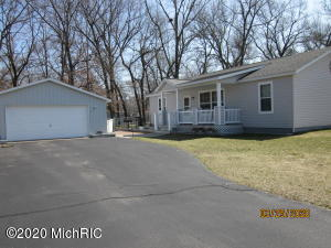 52487 South Point Drive, Mattawan, Michigan 49071, 3 Bedrooms Bedrooms, ,2 BathroomsBathrooms,Residential,For Sale,South Point,20011643