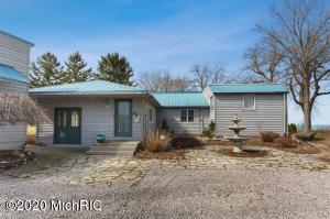 3960 Evergreen Benton Harbor, MI 49022