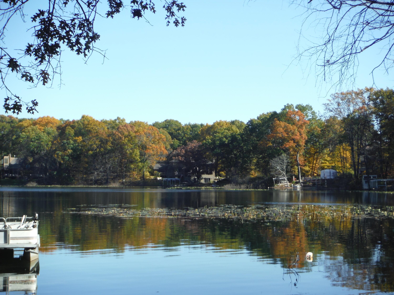 1210 E Crooked Lake , Kalamazoo, MI 49009 Photo 14