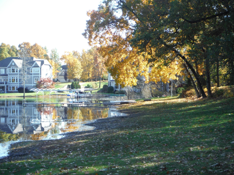 1210 E Crooked Lake , Kalamazoo, MI 49009 Photo 31