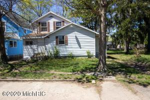 107 Michigan Avenue, Dowagiac, Michigan 49047, 4 Bedrooms Bedrooms, ,1 BathroomBathrooms,Residential,For Sale,Michigan,20015562