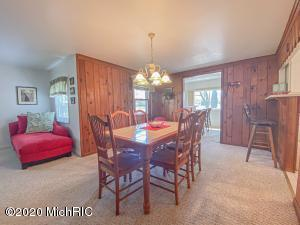 24813 Twin Shore Drive, Dowagiac, Michigan 49047, 3 Bedrooms Bedrooms, ,1 BathroomBathrooms,Residential,For Sale,Twin Shore,20015566