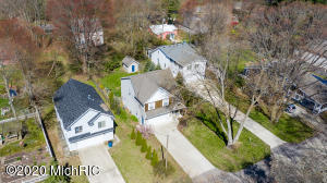 3523 Hollywood Drive, Holland, Michigan 49424, 4 Bedrooms Bedrooms, ,3 BathroomsBathrooms,Residential,For Sale,Hollywood,20015568