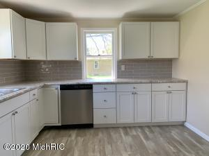 3839 Meadow Lane, St. Joseph, Michigan 49085, 2 Bedrooms Bedrooms, ,1 BathroomBathrooms,Residential,For Sale,Meadow,20015591