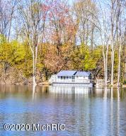 2687 Selkirk Lake Shelbyville, MI 49344