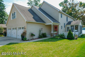 41 N Crooked Lake Kalamazoo, MI 49009