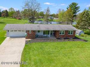 46153 CR 352 Decatur, MI 49045