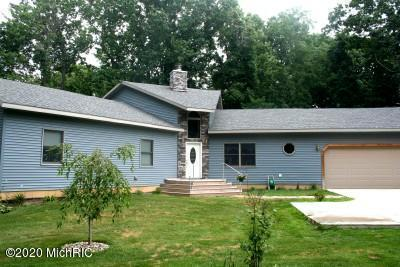 4077 Pinewood , Benton Harbor, MI 49022 Photo 1