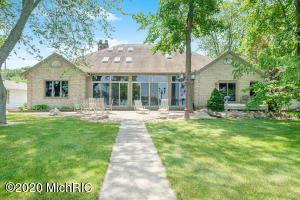 10946 Shady Lane Middleville, MI 49333