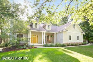468 Fox Haven Drive, Holland, Michigan 49424, 4 Bedrooms Bedrooms, ,3 BathroomsBathrooms,Residential,For Sale,Fox Haven,20025826