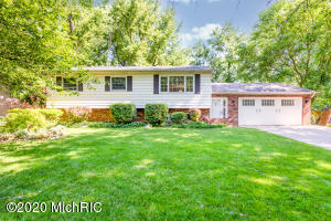 1963 Orchard Drive, Stevensville, Michigan 49127, 4 Bedrooms Bedrooms, ,2 BathroomsBathrooms,Residential,For Sale,Orchard,20025819