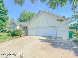 28980 Yaw Street, Dowagiac, Michigan 49047, 4 Bedrooms Bedrooms, ,3 BathroomsBathrooms,Residential,For Sale,Yaw,20025832