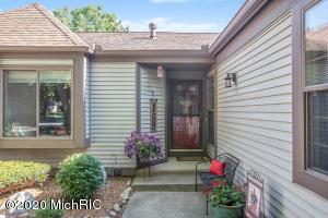 4706 Foxfire Trail, Portage, Michigan 49024, 2 Bedrooms Bedrooms, ,2 BathroomsBathrooms,Residential,For Sale,Foxfire,20025889