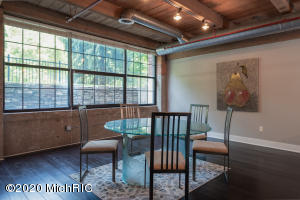 533 Columbia Avenue, Holland, Michigan 49423, 4 Bedrooms Bedrooms, ,2 BathroomsBathrooms,Residential,For Sale,Columbia,20025975