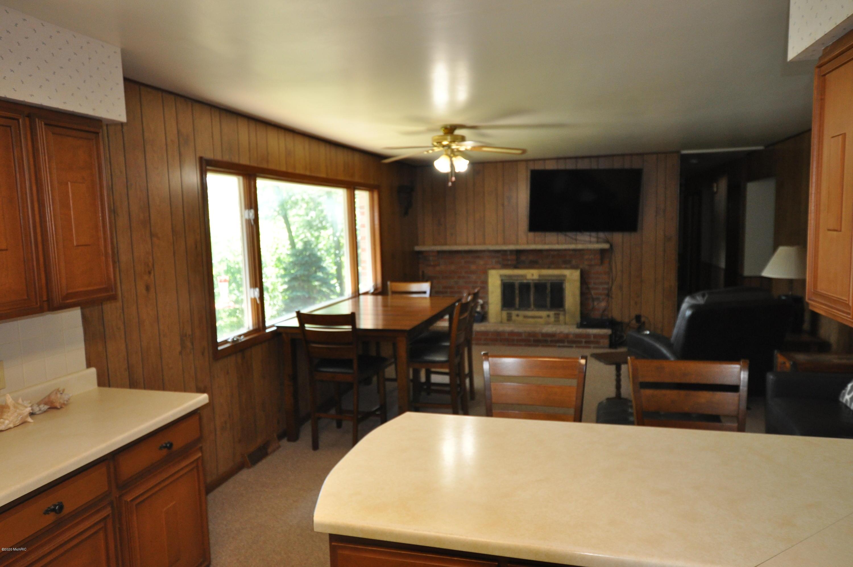 1210 E Crooked Lake , Kalamazoo, MI 49009 Photo 22