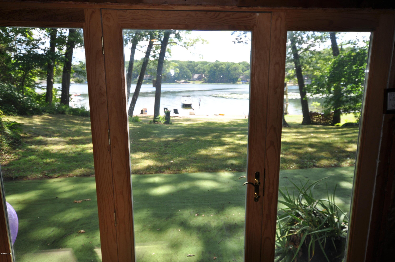 1210 E Crooked Lake , Kalamazoo, MI 49009 Photo 28
