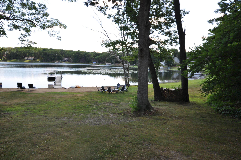 1210 E Crooked Lake , Kalamazoo, MI 49009 Photo 8