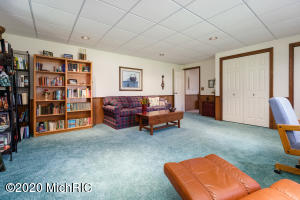 3732 Fleetwood Drive, Portage, Michigan 49024, 4 Bedrooms Bedrooms, ,4 BathroomsBathrooms,Residential,For Sale,Fleetwood,20045911