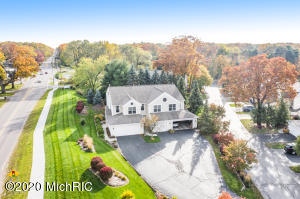 75 Sun Ridge Drive, Holland, Michigan 49424, 3 Bedrooms Bedrooms, ,3 BathroomsBathrooms,Residential,For Sale,Sun Ridge,20045782
