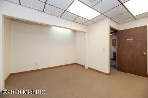 4017 Main Street Street, Kalamazoo, 49006, ,Commercial Lease,For Sale,Main Street,20045811