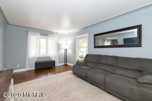 3919 Hayes Street, Portage, Michigan 49002, 2 Bedrooms Bedrooms, ,2 BathroomsBathrooms,Residential,For Sale,Hayes,20045870