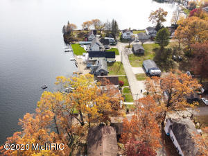 603 Treasure Island Drive, Mattawan, Michigan 49071, 4 Bedrooms Bedrooms, ,3 BathroomsBathrooms,Residential,For Sale,Treasure Island,20045929