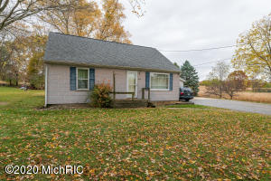 2694 D Avenue, Kalamazoo, Michigan 49009, 4 Bedrooms Bedrooms, ,1 BathroomBathrooms,Residential,For Sale,D,20045919