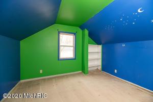 2694 D Avenue, Kalamazoo, Michigan 49009, 4 Bedrooms Bedrooms, ,1 BathroomBathrooms,Residential,For Sale,D,20045919