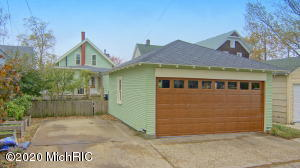 817 Wolcott Avenue, St. Joseph, Michigan 49085, 3 Bedrooms Bedrooms, ,2 BathroomsBathrooms,Residential,For Sale,Wolcott,20045934