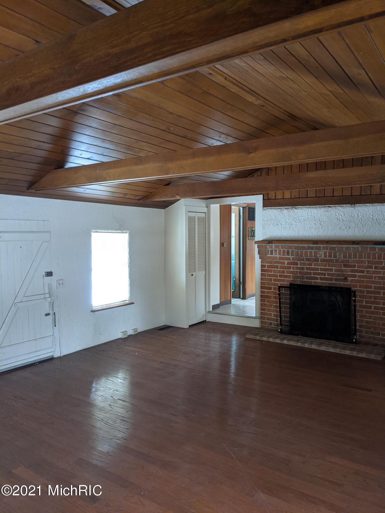 15505 S M 43 , Hickory Corners, MI 49060 Photo 21