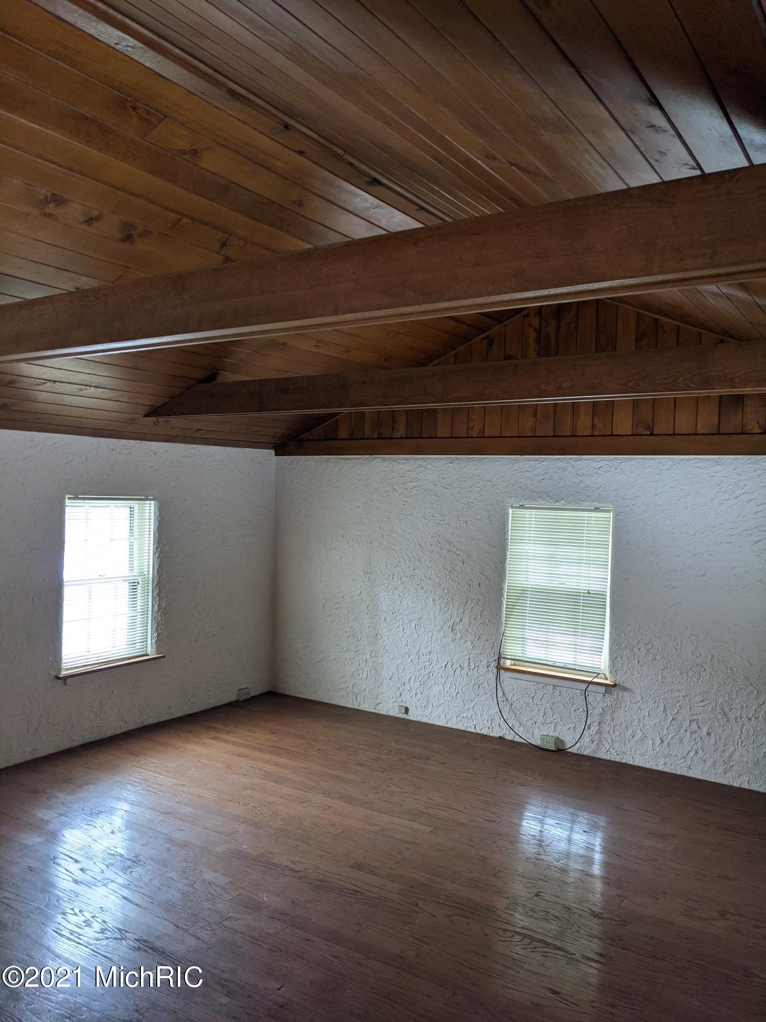 15505 S M 43 , Hickory Corners, MI 49060 Photo 22