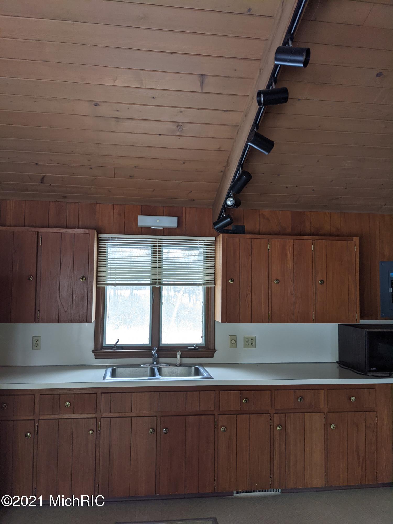 15505 S M 43 , Hickory Corners, MI 49060 Photo 20