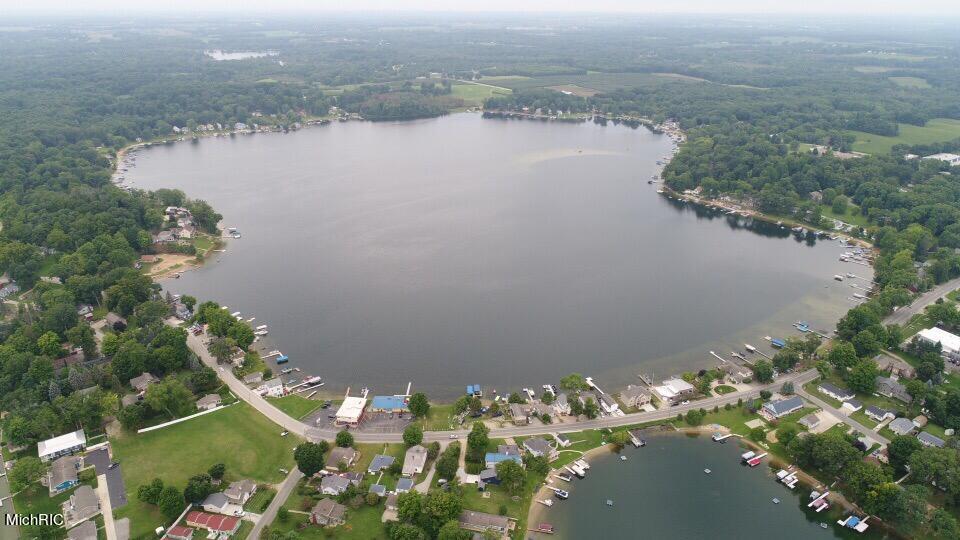 68600 M-152 , Benton Harbor, MI 49022 Photo 37