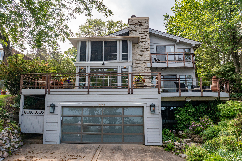 3777 Lake Shore Drive