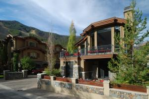 Property for sale at 221 Picabo St Unit: 8, Ketchum,  ID 83340