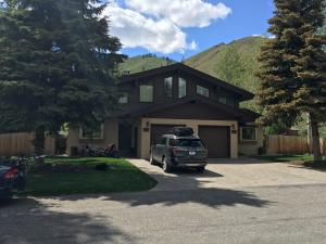 Property for sale at 121 Short Swing Lane Unit: A & B, Ketchum,  ID 83340
