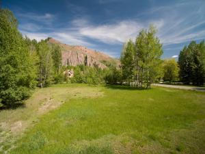 Property for sale at 2 Meadow Rd, Sun Valley,  ID 83353